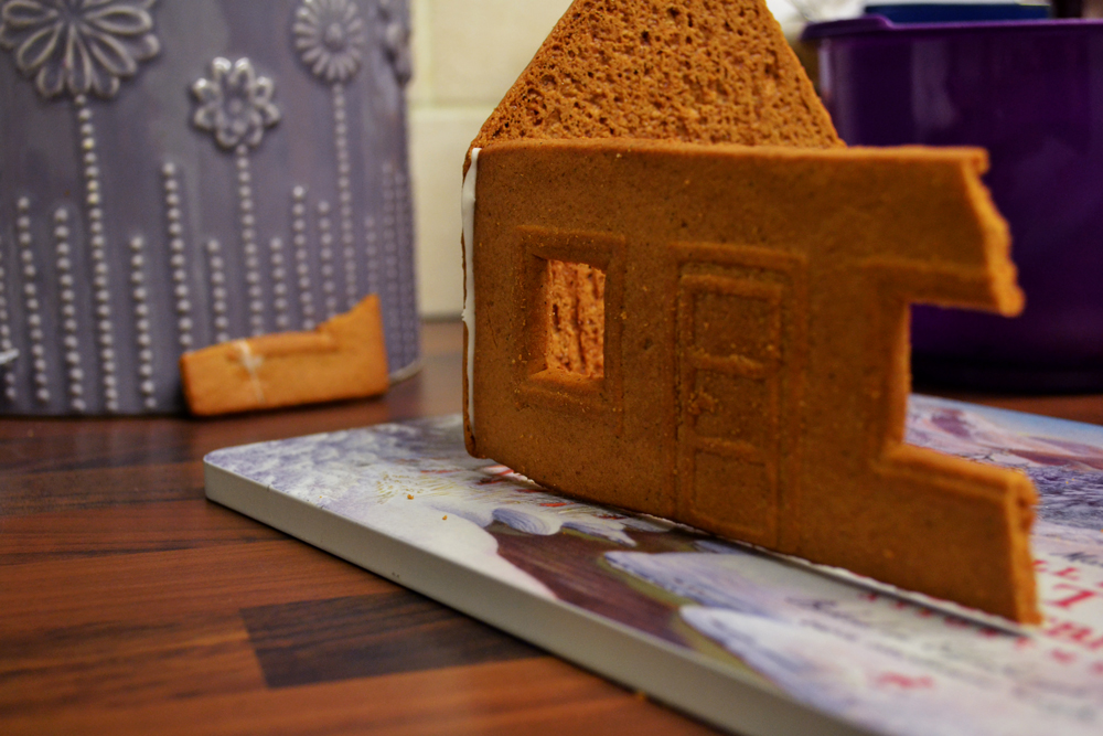 gingerbread-house3