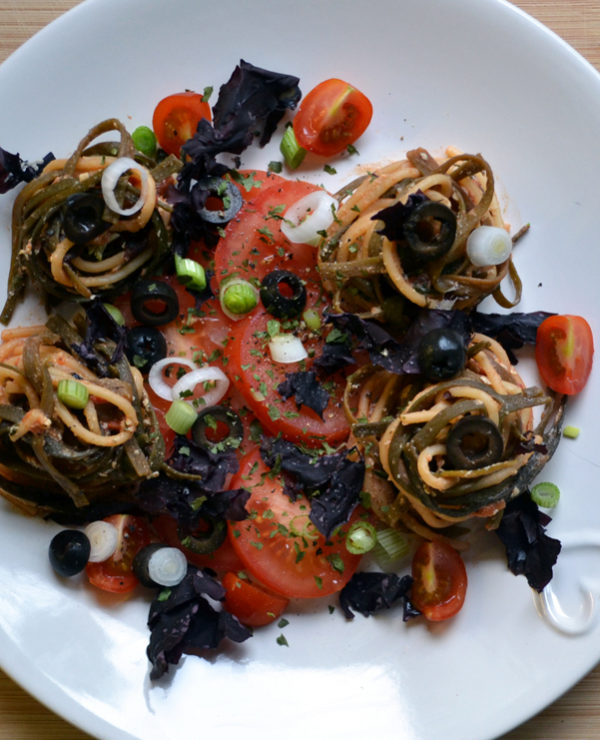 Seaweed pasta dish