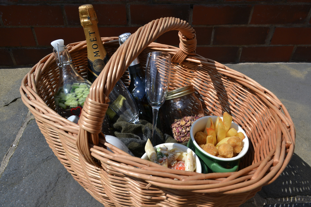 Food and drink basket for a boozy brunch